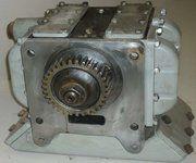 Deutz 545 diverse onderdelen voor cilinderkop - Smeeroliepomp Deutz 545