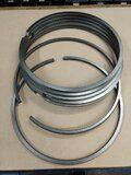 Deutz 545 diverse onderdelen voor cilinderkop - Deutz 545 zuigerverenset