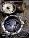 Deutz 545 diverse onderdelen voor cilinderkop - Deutz 545 diverse tandwielen